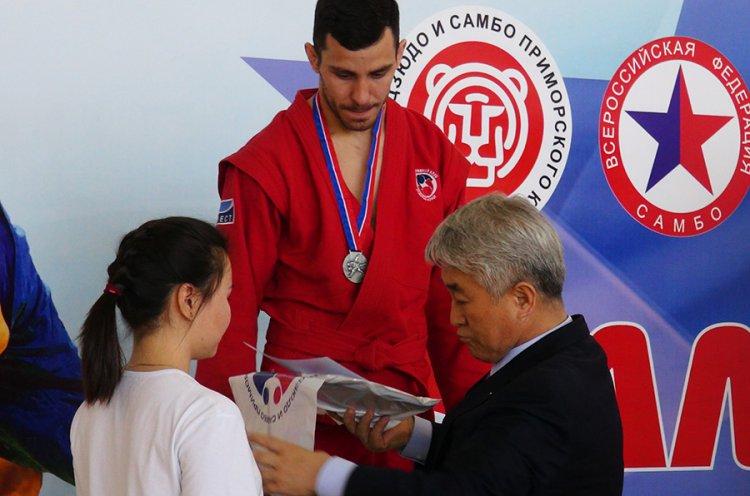 Приморские самбисты взяли 26 медалей на международном турнире «Мемориал Юрия Потапова»