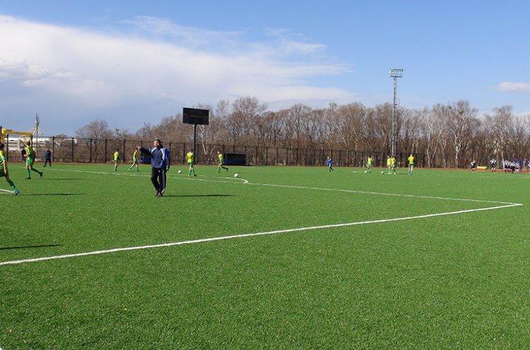 В Большом Камне открыли новый современный стадион