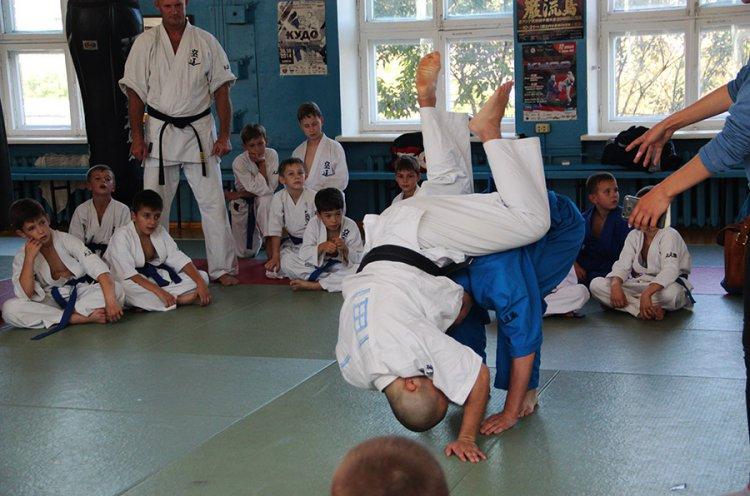 Титулованные японские кудоисты провели мастер-класс для юных приморских спортсменов