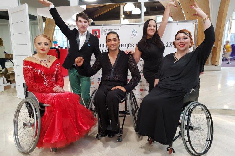 Две серебряные награды «Кубка Москвы» по спортивным танцам на колясках завоевали приморцы