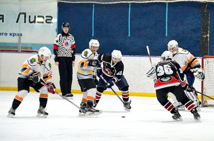 Приморские команды дивизионов НХЛ усилили борьбу за выход в плей-офф