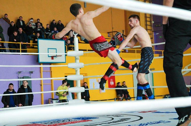 Сильнейшие бойцы Приморья отобрались в сборную края по СБЕ ММА