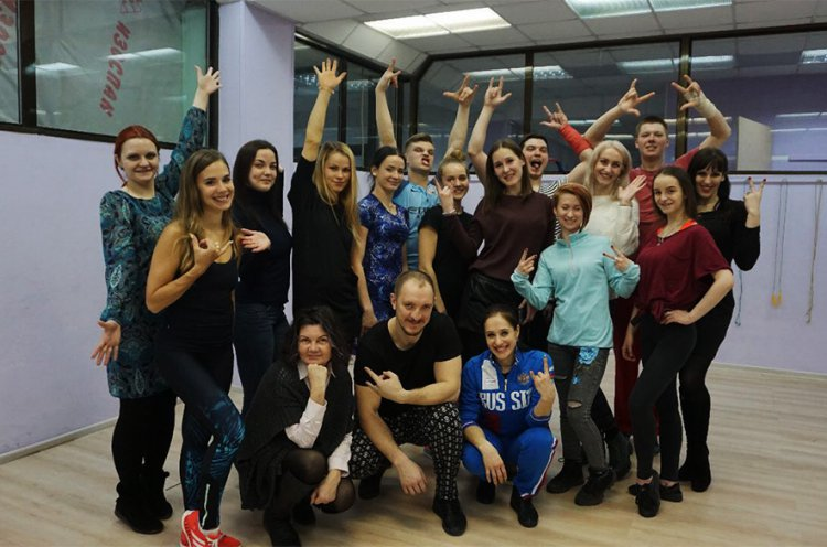 Мастер-классы по акробатическему рок-н-роллу в Приморье провели чемпионы мира Иван Юдин и Ольга Сбитнева