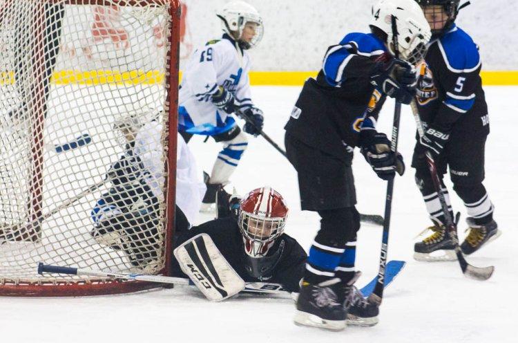Юные хоккеисты вышли во второй круг ЮХЛ