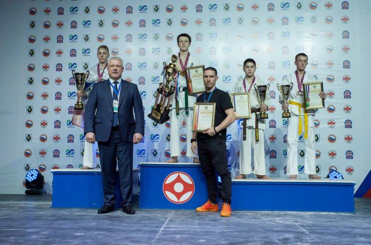 Юные приморцы завоевали семь медалей на Первенстве России по киокусинкай