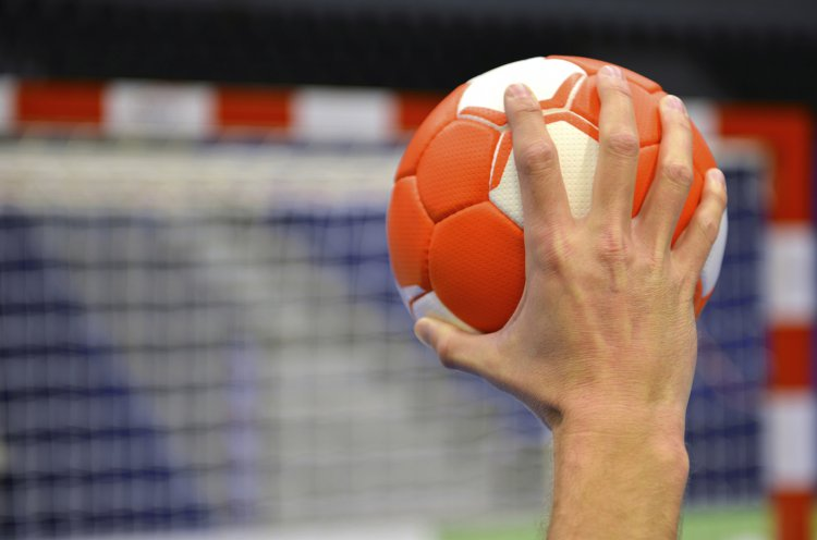 Во Владивостоке прошло первенство края по гандболу