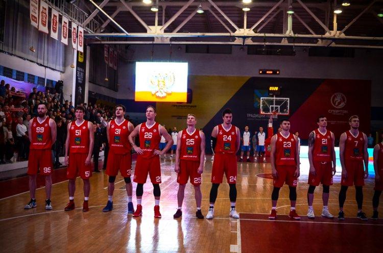 «Спартак-Приморье» выходит вперед в финальной серии