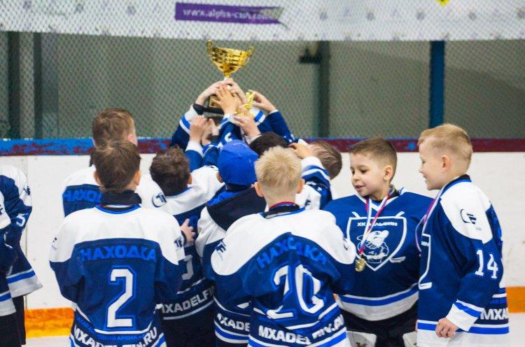 Среди первых победителей Первенства ЮХЛ команды Владивостока и Находки