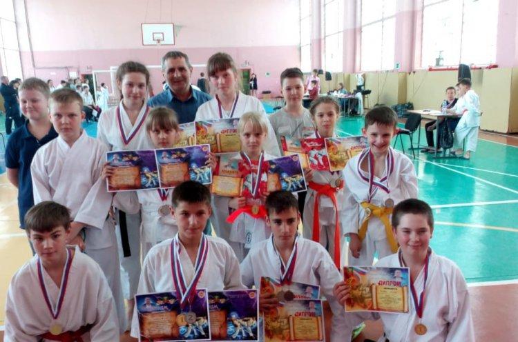 Каратисты Лесозаводска завоевали 18 медалей