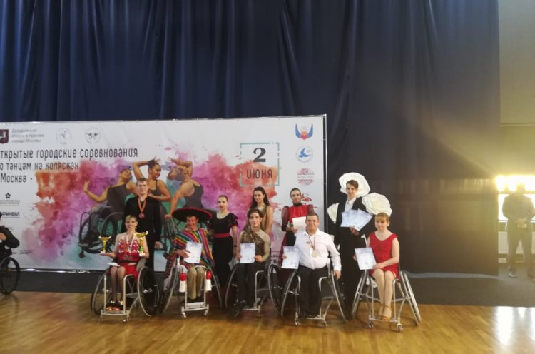 Танцоры-колясочники из Приморья завоевали серебряные и бронзовые медали на турнире в Москве