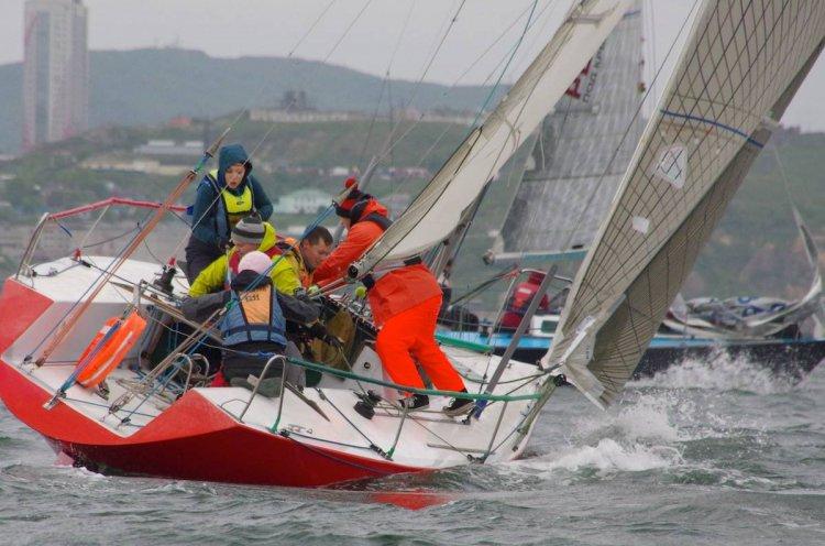 Второй этап Кубка Владивостока прошел при сильном порывистом ветре