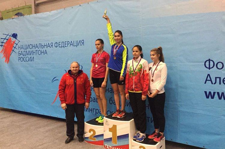 Юные приморские спортсменки отличились на международном турнире по бадминтону