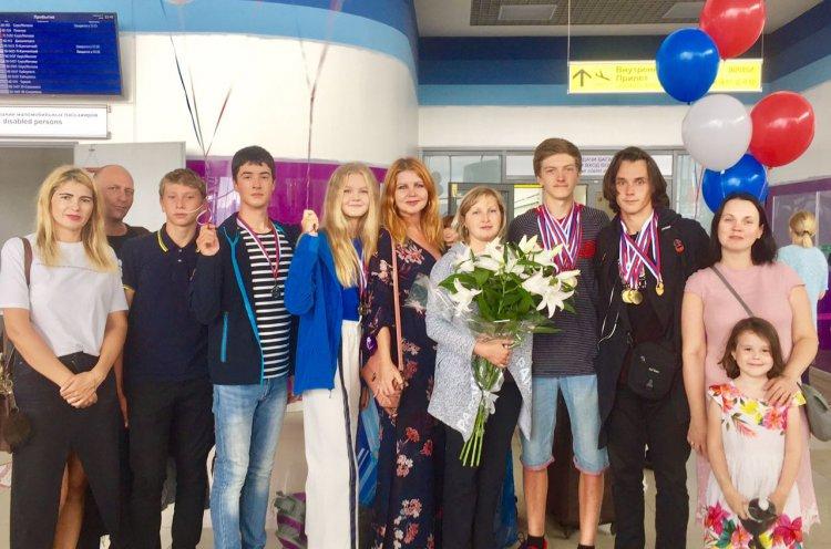 Юные приморские гребцы вернулись домой с наградами