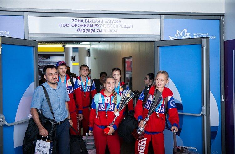 Приморские кикбоксеры с триумфом вернулись домой из Италии