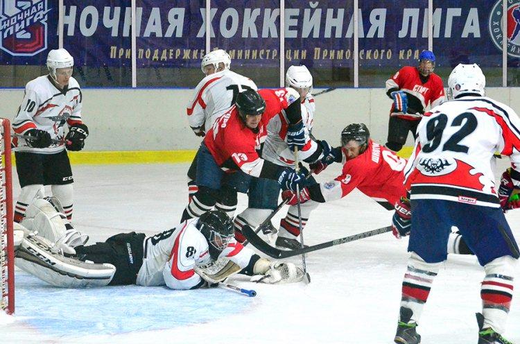 В Приморье стартовал восьмой сезон Ночной хоккейной лиги на Дальнем Востоке