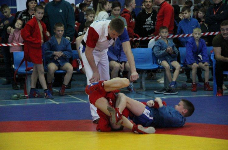 Международный детский турнир по самбо прошел в Артеме на высоком уровне