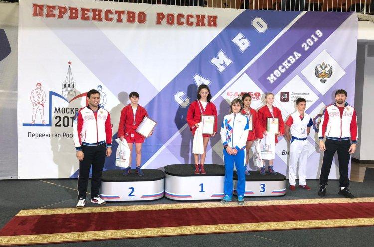 Две золотые медали выиграли приморские самбистки на Первенстве России