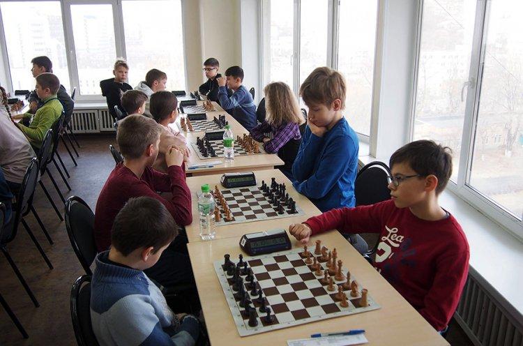 Во Владивостоке определились призеры городских соревнований по шахматам «Белая ладья»