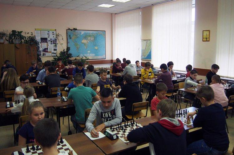 Юные шахматисты Приморья сразились в турнире памяти Николая Дубинина
