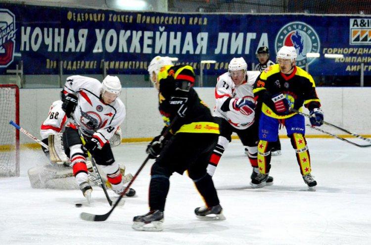 Победитель турнира по хоккею на Кубок Губернатора Приморья станет известен 12 мая