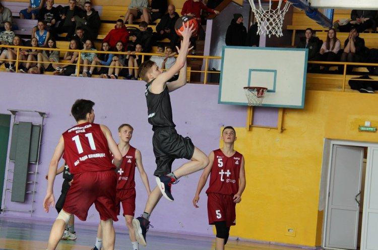 Матчи в лиге КЭС-Баскет прошли в Арсеньеве