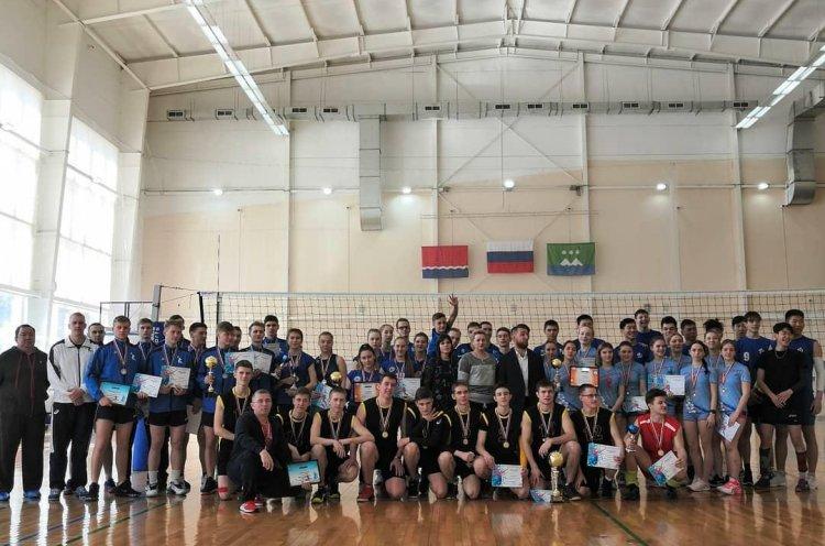 Приморские волейболисты – сильнейшие на Дальнем Востоке