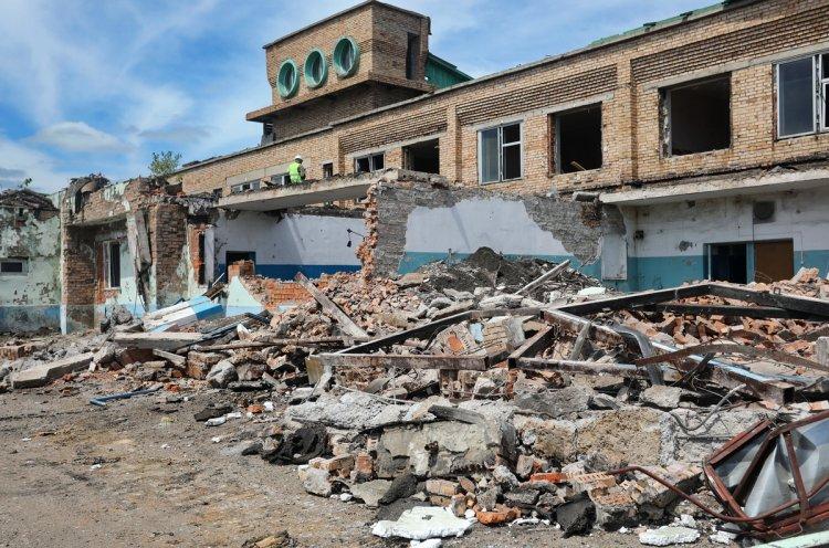 Олег Кожемяко оценил ход реконструкции гребной базы в Лозовом