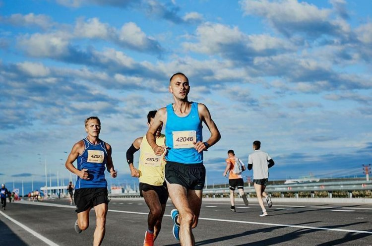 Приморский легкоатлет взял золото на Амурском марафоне «Бег к мечте»