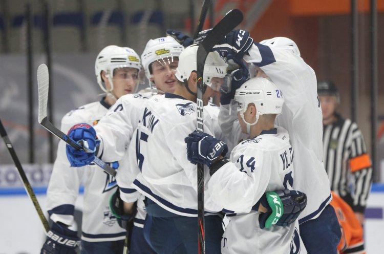 «Тайфун» одержал крупную победу во втором матче в Хабаровске