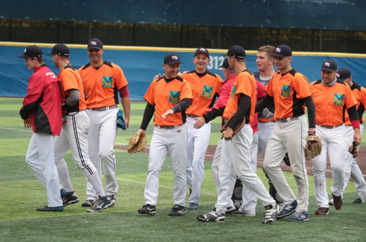 Приморцы выступили на Кубке России по бейсболу