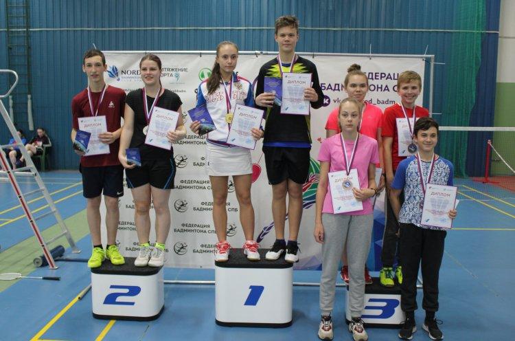 Приморцы успешно выступили на всероссийском турнире по бадминтону