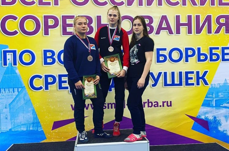 Приморские спортсменки отличились на всероссийских соревнованиях по борьбе