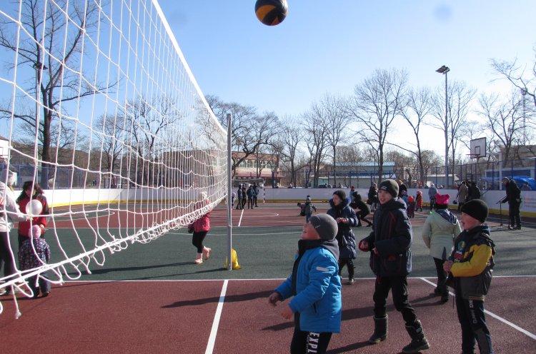 Новую спортивную площадку открыли в Хасанском районе по нацпроекту