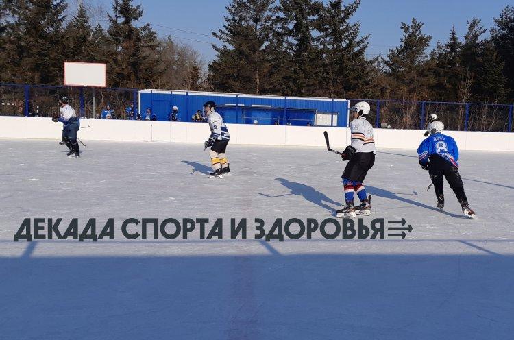 Хоккей, лыжи и гольф: тысячи приморцев участвуют в Декаде спорта и здоровья