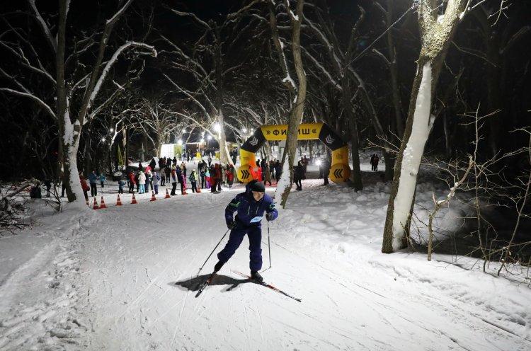 Больше 200 владивостокцев отметили старый Новый год лыжным забегом
