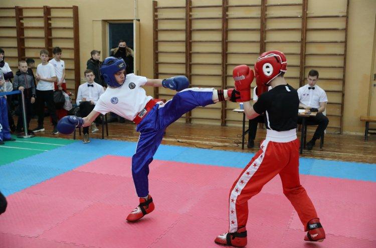 Во Владивостоке прошли чемпионат и первенство по кикбоксингу