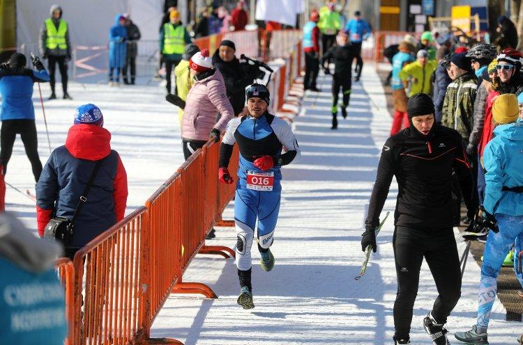Почти 300 человек объединил зимний триатлон в столице Приморья