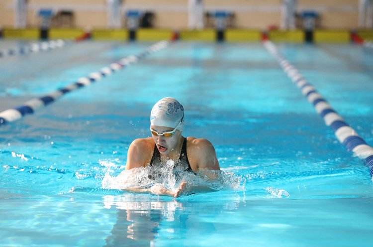 Семь дальневосточных рекордов побиты на чемпионате округа по плаванию во Владивостоке
