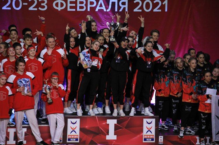 Чирлидеры из Приморья впервые стали чемпионами России