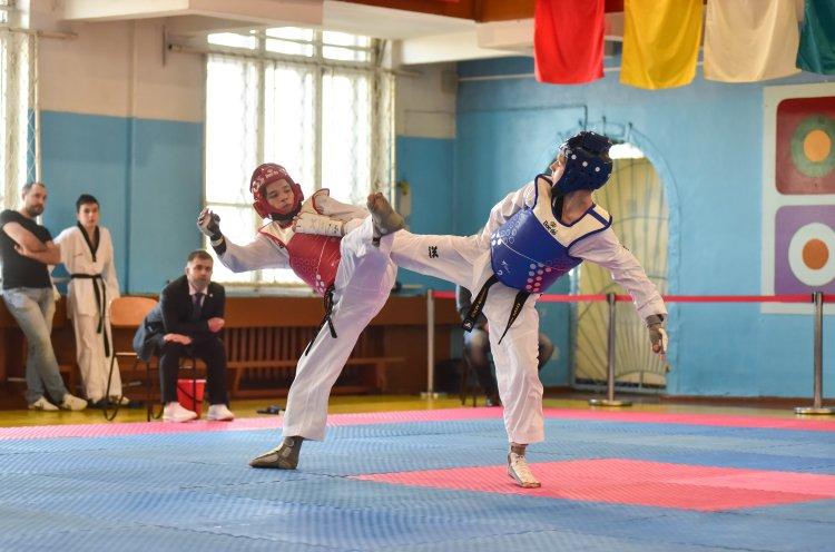 Во Владивостоке состоялись чемпионат и первенство края по тхэквондо