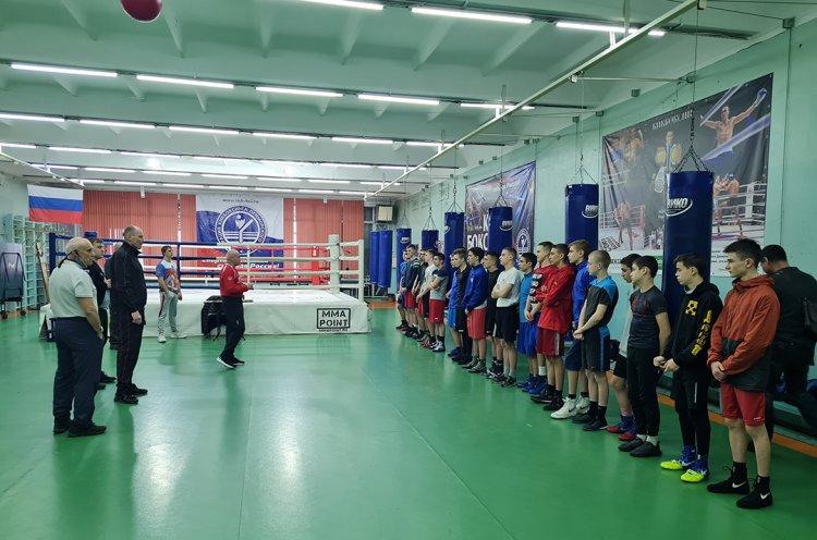Юношеская сборная Приморья по боксу отправилась на первенство Дальнего Востока