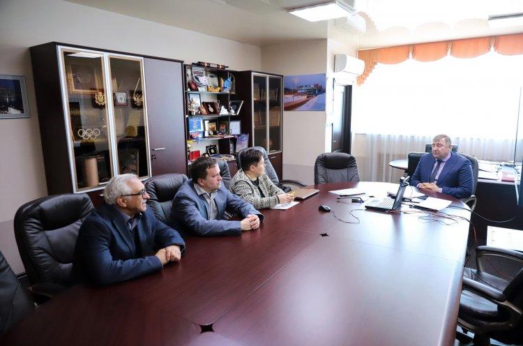 Министр спорта Приморья встретился с представителями Федерации бадминтона России