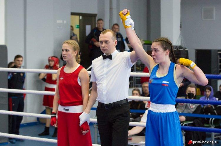 Спортсменки Приморья завоевали три медали на турнире по боксу на призы Софьи Очигава