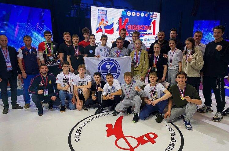 Приморцы завоевали 14 медалей на чемпионате и первенстве России по кикбоксингу