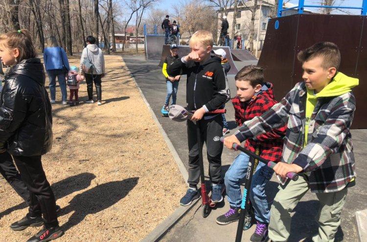 Новую скейт-площадку открыли селе Покровка Октябрьского округа