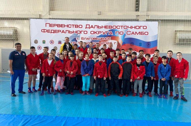 Приморские самбисты завоевали 28 медалей первенства ДФО