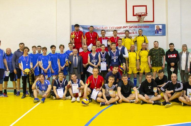 Волейбольный турнир памяти Бориса Буданцева прошел в поселке Преображение