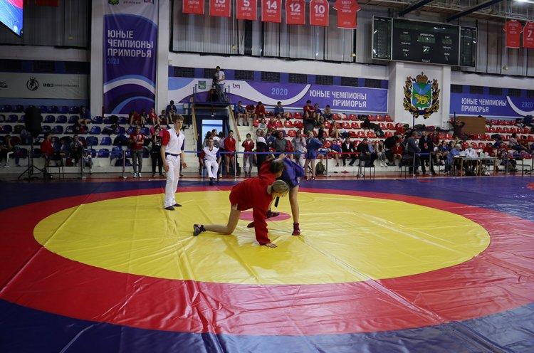 Детский краевой турнир Гран-при по борьбе самбо прошел во Владивостоке