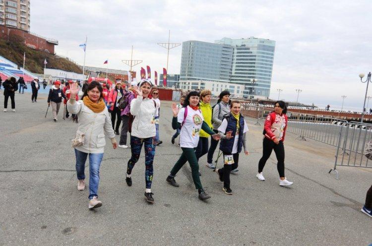 Бесплатные мастер-классы по скандинавской ходьбе пройдут в мае во Владивостоке