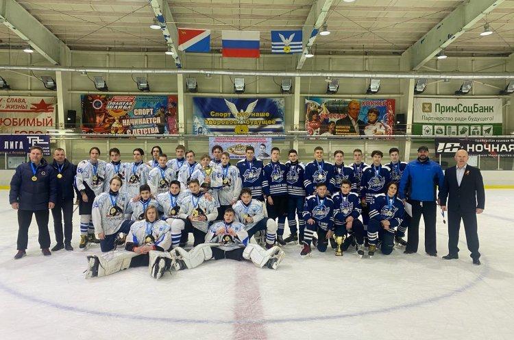 Команда «Полюс-2004/05» победитель Юношеской хоккейной лиги Приморья